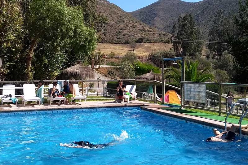 Camping tikal vicu a capital astron mica municipalidad de vicu a - Piscinas en el valle ...